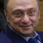 [:ru]Сулейману Керимову разрешили слетать на родину [:]